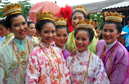 local girls dressed in old style Chinese costumes