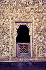 Koran school window (duotone) (stachelig) Tags: door wood window t star pattern fenster islam arabic morocco creativecommons marrakech souk duotone stern holz tr marokko marrakesch splittoning tr