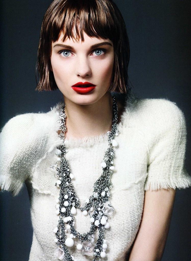 Vogue nippon ag 2010