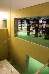 Blick in der HTWK-Bibliothek Leipzig (libviews) Tags: bibliothek leipzig farbe htwk