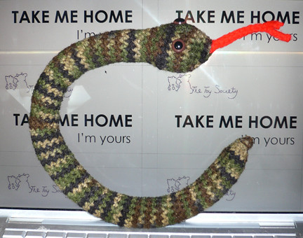 snake by nikkidear.