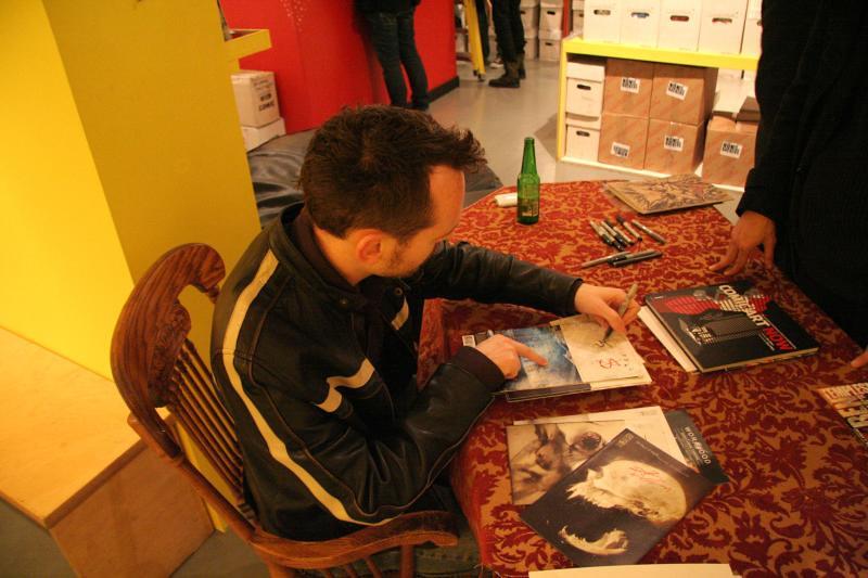 Ben Templesmith Signing - November 2009