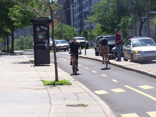 Piste cyclable-cycle track, Montreal
