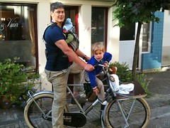 eddy and kids fr8 09-07-10 (@WorkCycles) Tags: baby amsterdam bike bicycle kids children freight r8 workcycles