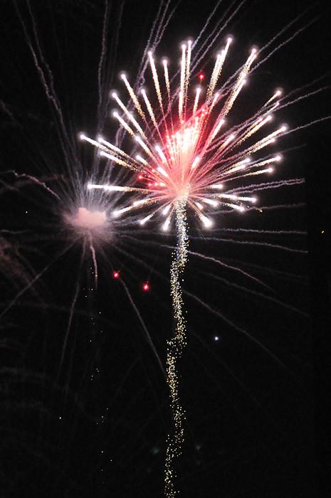 web_fireworks_blast_0042_2854