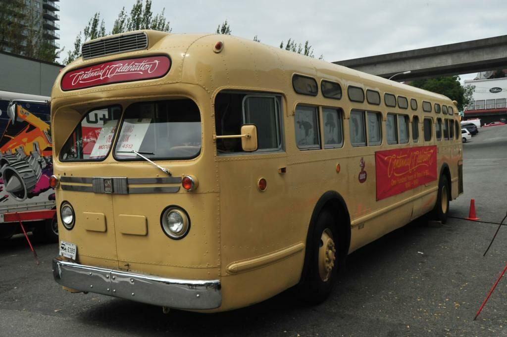 1957 GMC bus TDH4512 BCE