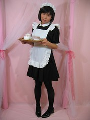 Serving Maid Girl 001 (MISAKI YOSHIDA(MISAKKY)) Tags: cafe uniform feminine bib apron maid crossdresser pinafore pinny frilly frenchmaid frills kittel dienstmdchen sissymaid housemaid  schort  josou meninaprons schortje frillybibbed cosplayapron bibbedapron sissymaidsapron crispystarched epuron