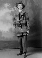 f_dhs_5106x (ricksoloway) Tags: southwest motif pattern indian coat vintagephotos foundphotos antiquephotos phototrouvee cochisecountyarizona menwearinghats