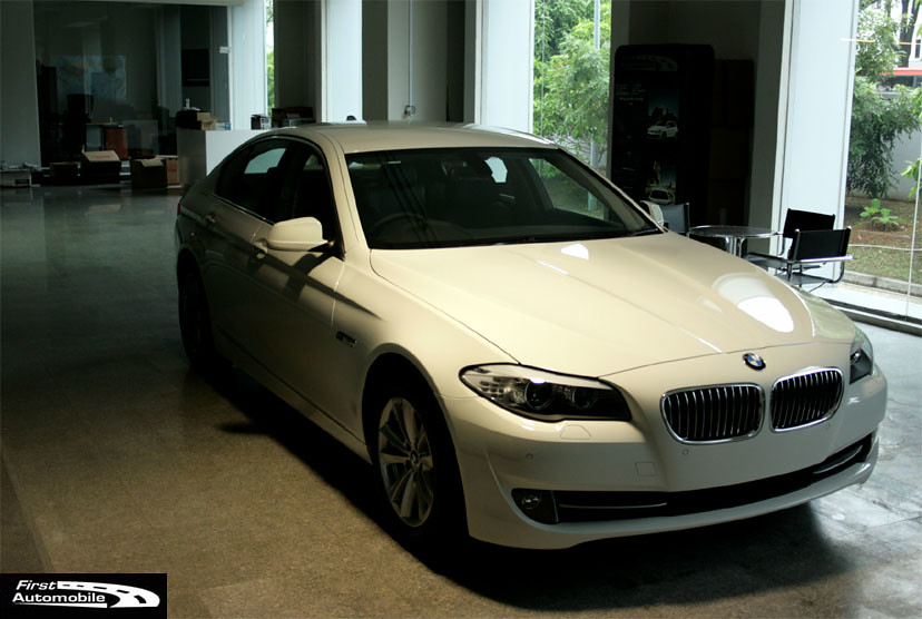 BMW 523i. Immediate deilivery!