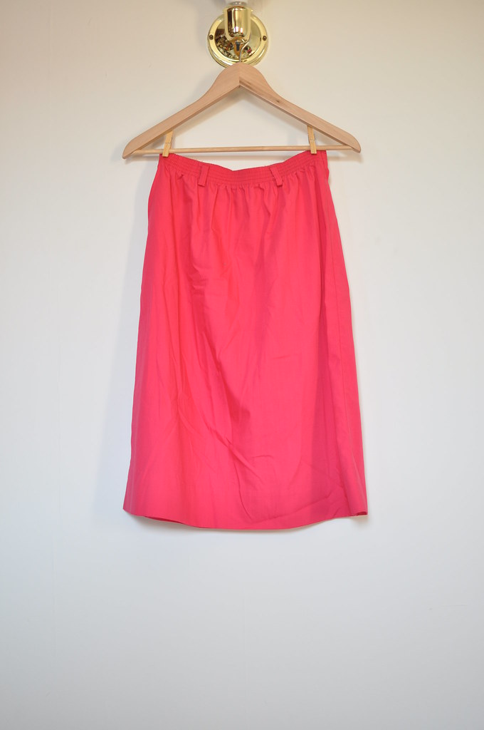 vintage pink button skirt
