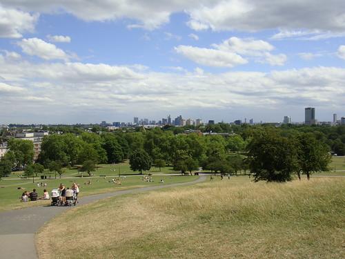 Vista desde Primrose Hill con la ciudad al fondo