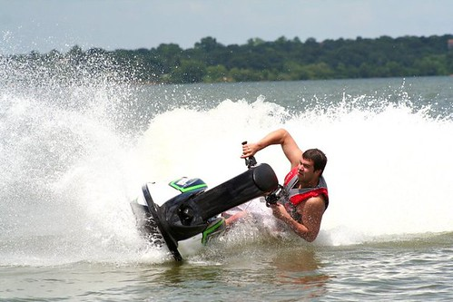 Jet skiing as a cross training method for moto? Article inside