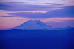Volcano (Phil's Pixels) Tags: sunset volcano washington explore bluehour peaks mtrainier gettyimages ellensburg lionrock cascademountains flickrunitedaward