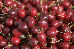 cherries at the Oerlikon market