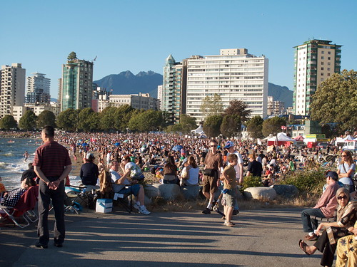 Crowd at Second Beach