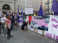 """Manifestazione contro la """"legge bavaglio"""" (Avaazorg) Tags: manifestazione cgil montecitorio intercettazioni ddl fnsi avaaz leggebavaglio popoloviola"""