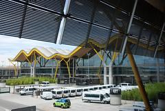 MAD | Terminal 4 (Ryan Tolene) Tags: madrid airport spain aeropuerto terminal4 richardrogers antoniolamela