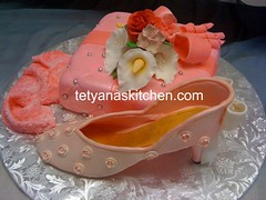 Gift box (Tetyanaskitchen / ruta_ua) Tags: pink flowers cake shoe hand box made gift