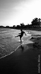Paco at Mazarron 2009 (Amelia Micas) Tags: sea summer blackandwhite espaa white playing black game beach water silhouette spain waves shadows walk salt september murcia 2009 mazarron pakdock packdoc
