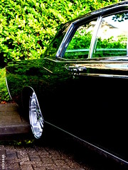 Lincoln Continental (LiesBaas) Tags: car pix ride wheels colorphotography smooth picture pic funky denhaag heavymetal chrome hotrod thehague vehicule colourphotography kleurenfotografie liesbaas amerikanenmeetingbyliesbaas lincolncontinentalbyliesbaas