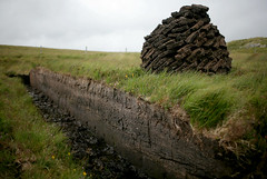 Peat piled up to dry (Helena Normark) Tags: uk scotland unitedkingdom britain peat 5d canoneos5d 35l canonef35mmf14lusm