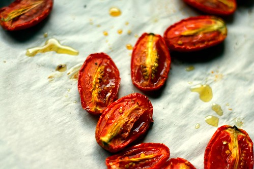 close-up of roasted tomatoes