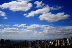 da janela (Jlia Tessler) Tags: blue sky azul cu janela belohorizonte