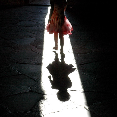 la niña que visitó la catedral by eMecHe