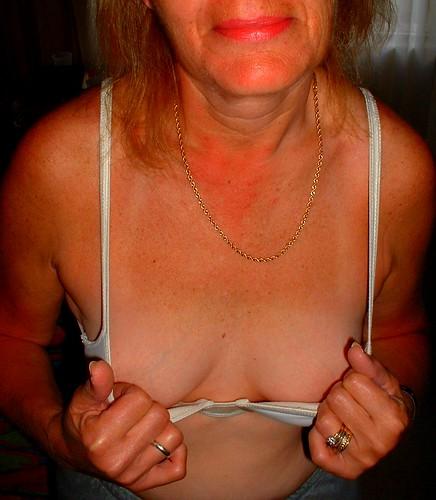 large women bras braless in public pics: womeninbras
