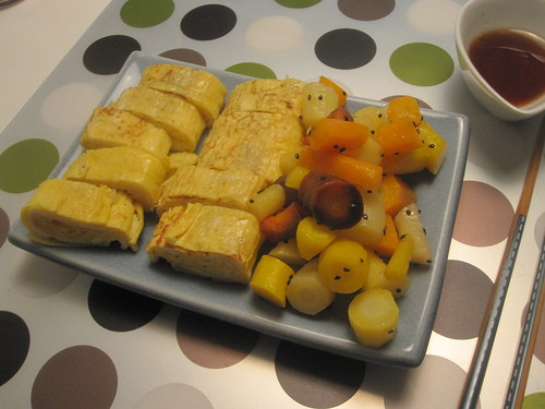 Tamagoyaki, cold carrot salad with sesame sauce