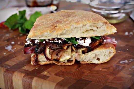 Figgy Awesome Sandwich 550