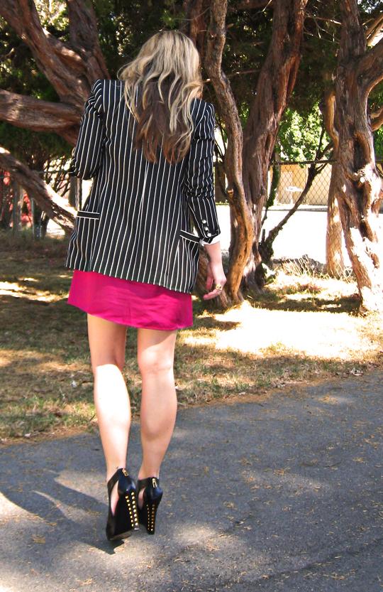 striped blazer+pink dress+studded wedges