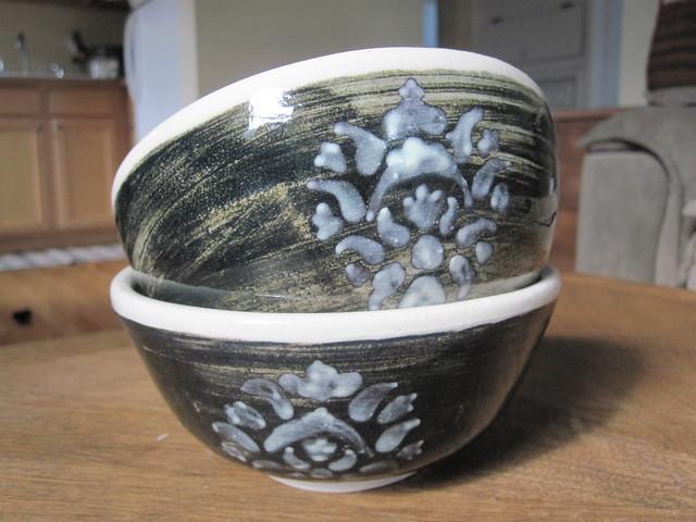 Floral crest cereal bowls