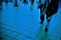 L'instant prsent (ale2000) Tags: street blue people amsterdam headless lomo lca xpro gente blind kodak squares blu crossprocess candid tiles stick 100 quadrato cieco mattonelle e100g bastone senzatesta linstantprsent azanvour