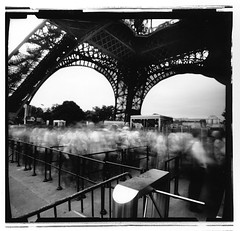 Eiffel 3 (doleblanche) Tags: city urban blackandwhite paris blancoynegro film analog noiretblanc ciudad pinhole pelicula cameraobscura analogica zeroimage lochkamera stenope panf filmphotos stnop altphoto panf50 fotografiaanalogica lochcamera