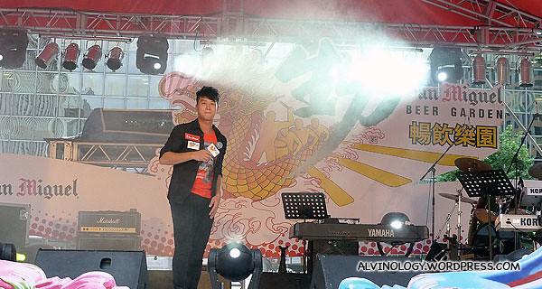 Hong Kong singer, Deep Ng (吴浩康), was the first to perform on stage with a series of Cantopop numbers