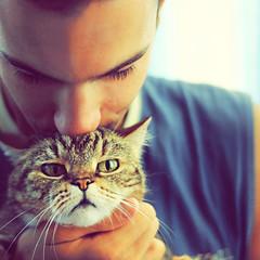 Io, lui e l'Altra... (mickiky) Tags: portrait pet man animal cat kitten chat uomo gatto ritratto