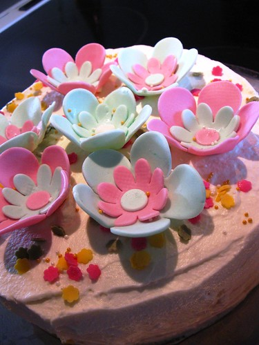 Marshmallows Fondant Flowers on Lemon Peach Mousse Cake