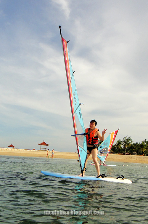 v sign windsurfing