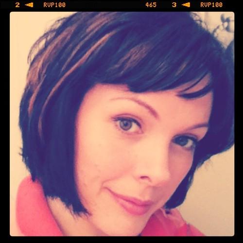 short hair red highlights. Cute retro haircut with short