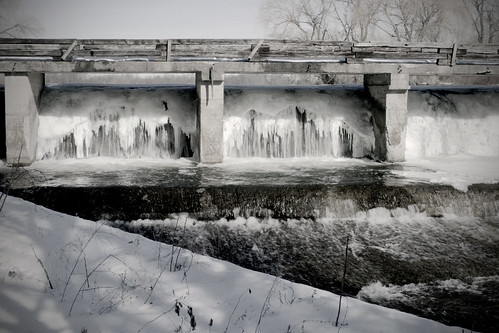 Dam on Ice by corinne.schwarz