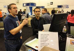 Kosta demonstrates ImageFramer to Michael Rose of TUAW