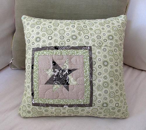 wonkey mini star on pillow back