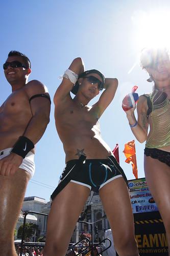 100627 San Francisco Gay Pride 2010 038 Steamworks & Club Papi Latin Stage ...