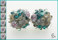 Golden Emerald Rockpools - Lampwork Glass Bead Pair (Photography by Clare Scott) Tags: sea glass scott clare inspired bead sra rockpools fhfteam