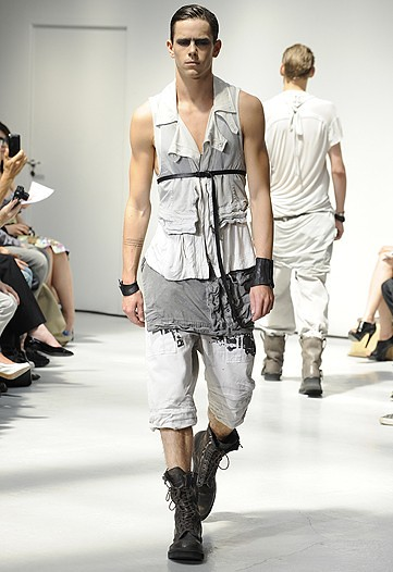 Jeremy Young3261_SS11_Paris_Julius(WWDom)
