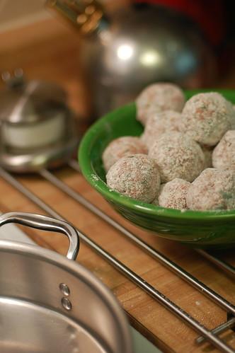 floured balls