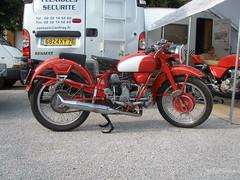 Moto Guzzi mono (gueguette80 ... non voyant pour une dure indte) Tags: old bike mono italian moto trophy tt motoguzzi racer picardie guzzi motorrad somme anciennes terroir ricket italiennes airaines monocylindre