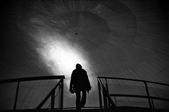 ... (Laurent Filoche) Tags: valencia museum spain kodak streetphotography espagne leicam7 oceanographic notcropped bonzography trix400800 voigtlnder35mmf14
