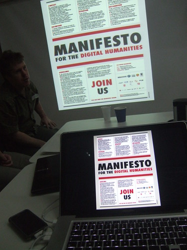 Manifesto for the Digital Humanities at centerNet Summit and THATCamp, London, 2010, by OpenEdition, Creative Commons: Attribution BY-NC-ND 2.0.
